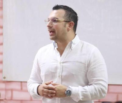Las inexplicables sumas de dinero de los contratos del ex contralor Acevedo con la CRA