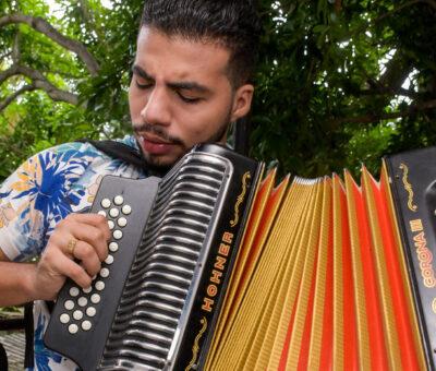 Ladrones asaltan escuela musical 'Talento con futuro' y se llevan 10 acordeones