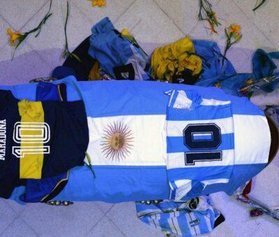 Argentina despide, con dolor, a Diego Armando Maradona