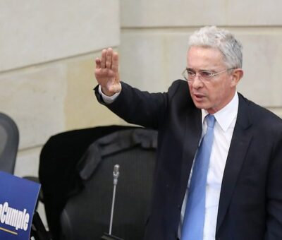 Uribe cuestiona a la JEP y hace llamado a las Fuerzas Militares