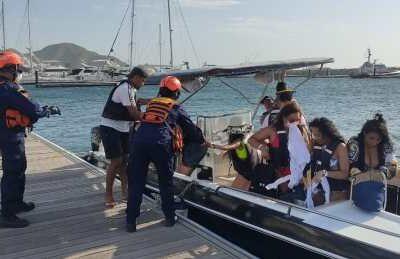 Rescatan a 15 personas que estaban a la deriva en Santa Marta