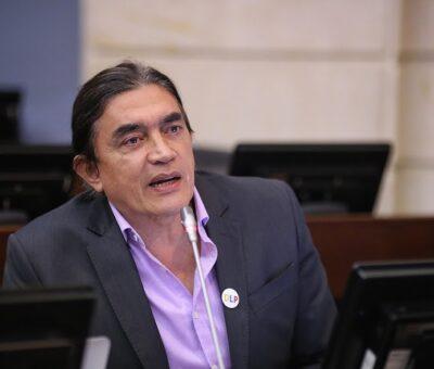 Gustavo Bolívar fue desplazado de la directiva del Senado